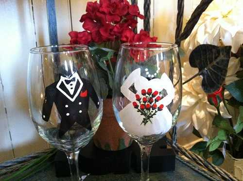 Bride & Groom wine glasses (set of 2)